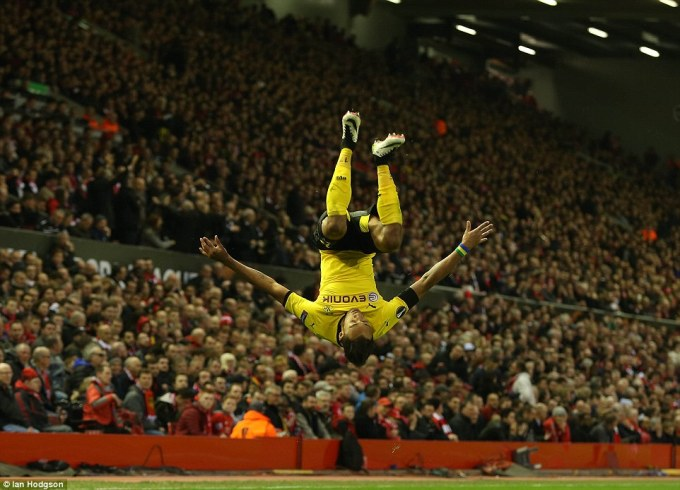 33305ba100000578-0-striker_aubameyang_celebrated_his_goal_which_cemented_dortmund_s-a-95_1460662696077
