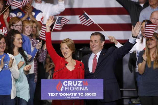 Republican U.S. presidential candidate Cruz  stands with Fiorina at campaign rally in Indianapolis