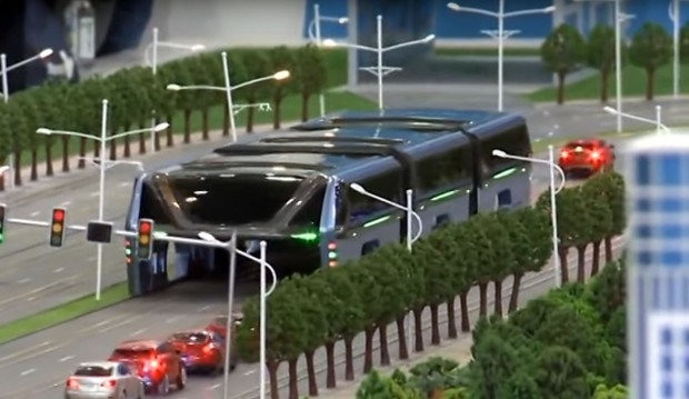 China's elevated road bus12.jpg