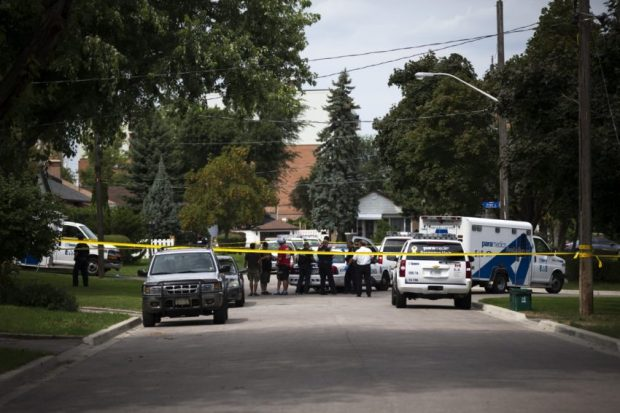 Police investigate on Lawndale Road3.jpg