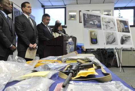 weapons seized by ATF from nautica gang1.jpg