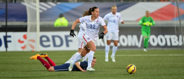 Lauren Holiday leaves opponent in her wake