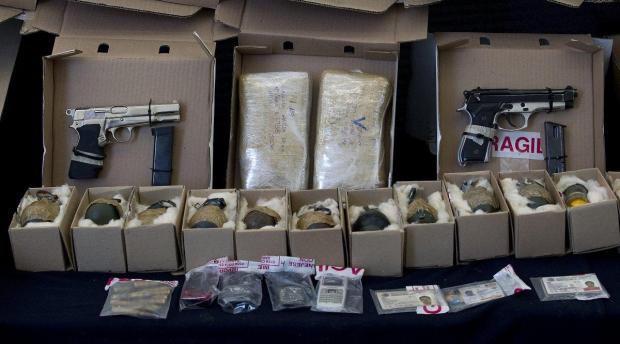 weapons, grenades and two kilos of cocaine seized from the drug cartel in Mexico City in 20101.jpg