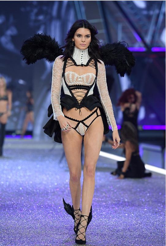 Kendall Jenner in Secret Paris Show 2016-2.png
