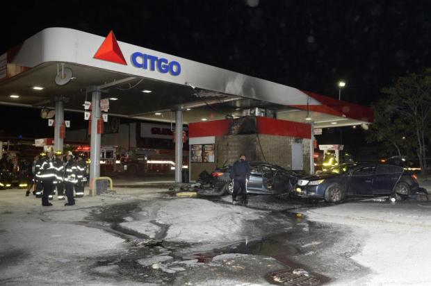 robert-crumb-smashed-into-a-citgo-station-after-leading-cops-on-a-chase3