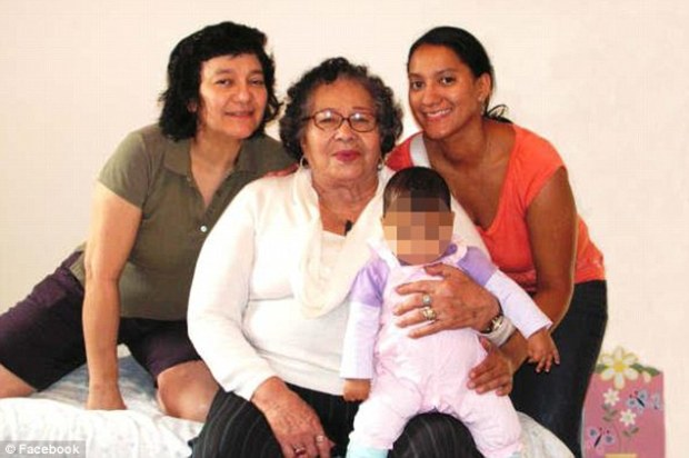 amily-felicia-barahona-pictured-right-with-her-mother-center-and-her-baby