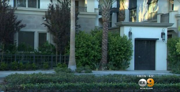 Men allegedly, responded to the fake Craigslist ad to the home of the couple in this Orange County apartment complex1.jpg