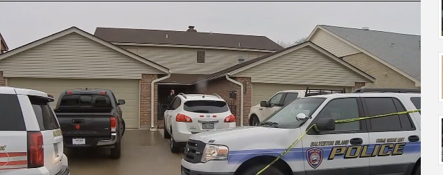 Police at the Everts home in Galveston.png