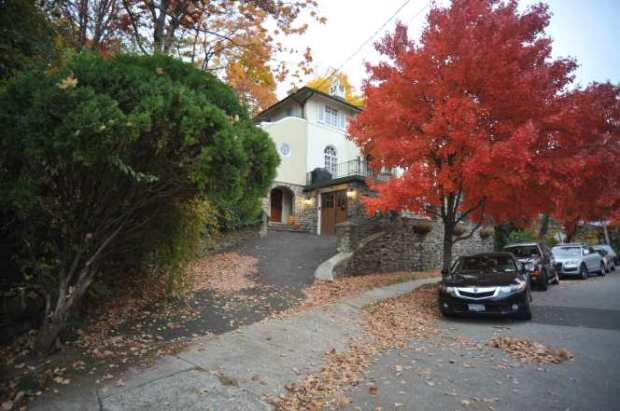 the-deardens-home-in-bronxville-where-wife-emily-allegedly-shot-her-husband1
