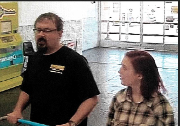 Odd couple 50-year-old childnapper Tad Cummings and his hostage, 15-year-old school girl Elizabeth Thomas2.png