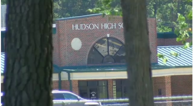 Hudson High school.png