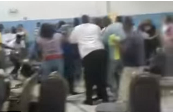 Free for all fight broke out during a meeting at a Georgia baptist church2.png