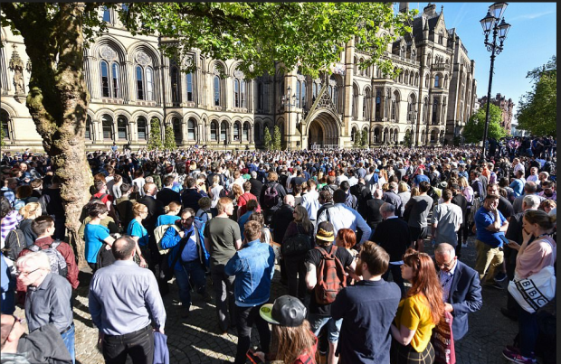 vIigil in Manchester as residents attended a vigil at Albert Square in the city centre tonight to remember those who died.png