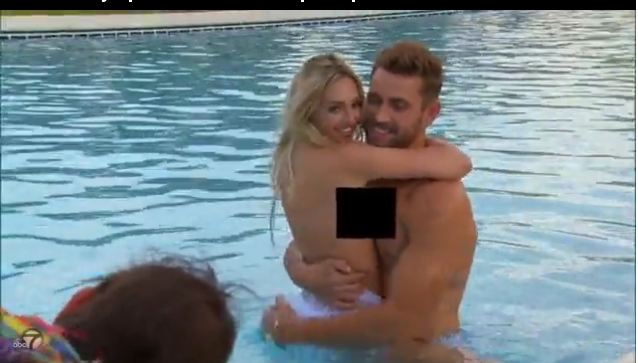 Corinne Olympios boasts about topless pool session with Nick1