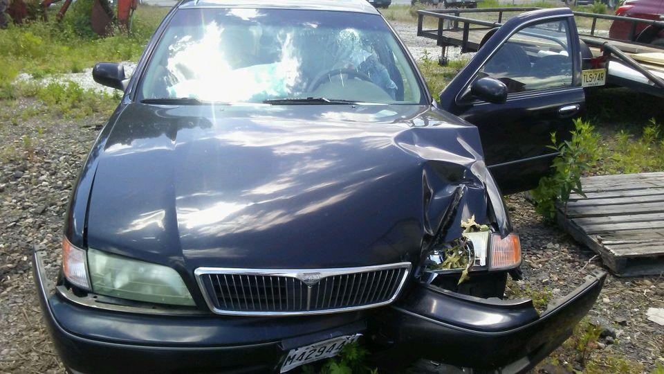 Monte Stewart crashed sedan1