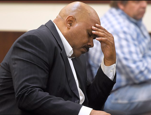 Whait in the world? Maurice Banks, Brandon Banks' father in court during the proceedings.png