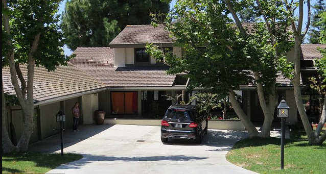 Chester Bennington's home in LA.png