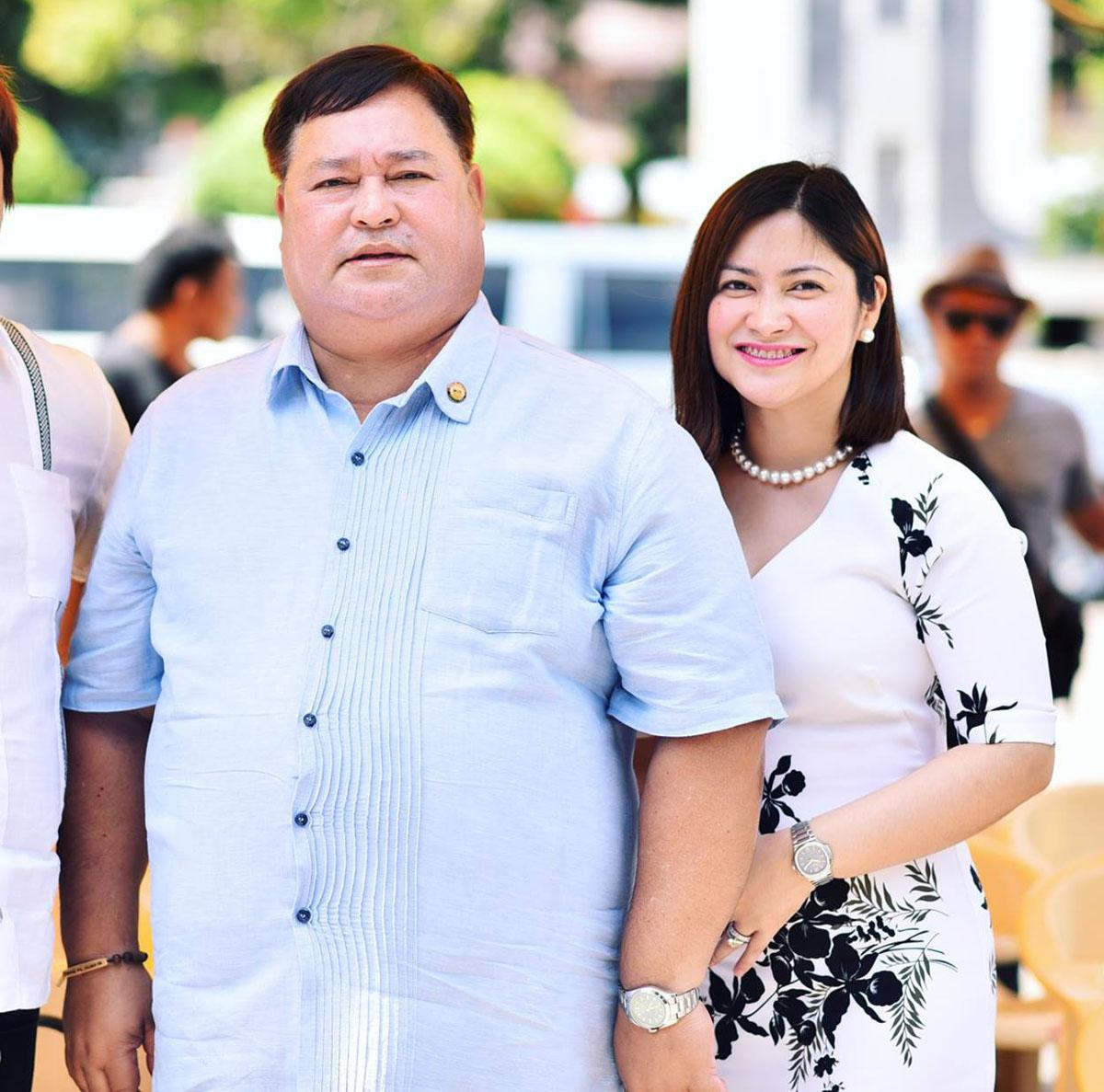 Ozamiz City Mayor Reynaldo Parojinog Sr. (l.) and his daughter, Vice Mayor Nova Princess Parojinog 1