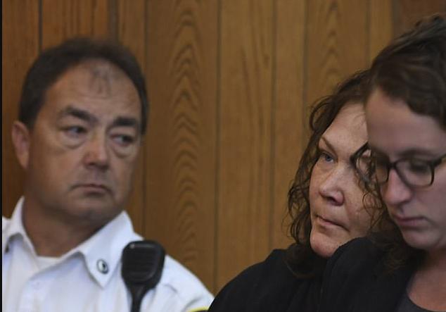 Lee-Ann Rickheit [center], in court 2.png