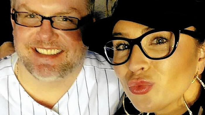 Scott Kennedy with Crystal Lundberg at a Cubs game in 2015.jpg